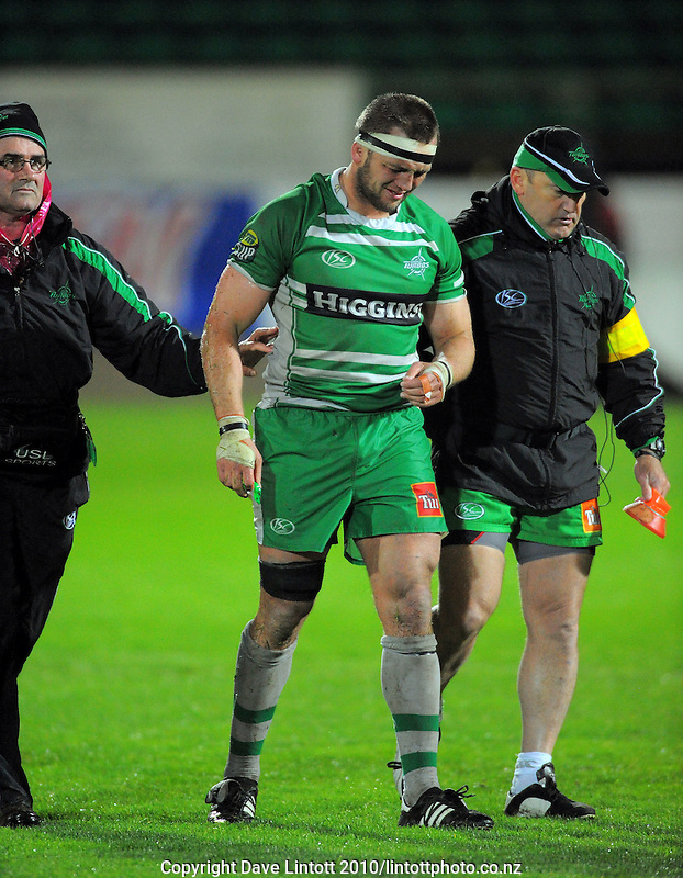 Manawatu flanker Doug Tietjens comes off injured. ITM Cup rugby - Manawatu Turbos v Auckland at FMG Stadium, Palmerston North, New Zealand on Friday, 17 September 2010. Photo: Dave Lintott/lintottphoto.co.nz