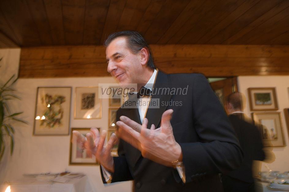 Europe/Italie/Vénétie/Dolomites/Cortina d'Ampezzo:  Maitre d'htel au restaurant de l'Hôtel Ancora