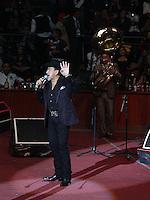 Joan Sebastian durante su concierto en el palenque de la Feria de Leon Guanajuato el 2 de Febrero del 2014.<br /> (*Foto:TiradorTercero/NortePhoto*)