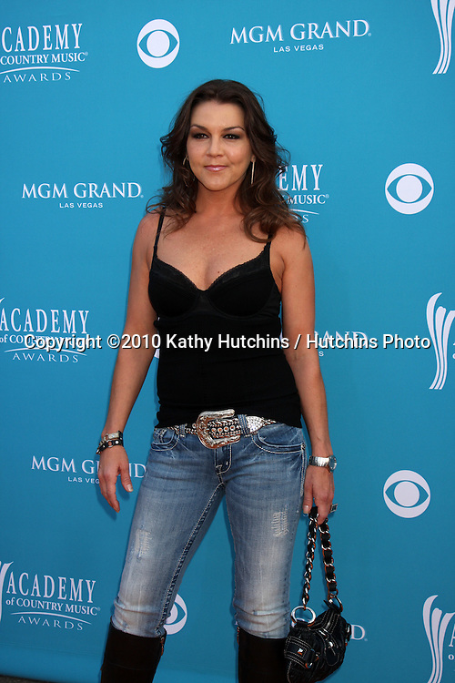 Gretchen Wilson.arrives at the Academy of Country Music Awards 2010.MGM Garden Arena.Las Vegas, NV.April 18, 2010.©2010 Kathy Hutchins / Hutchins Photo....