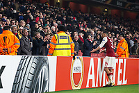 Francis Coquelin of Arsenal confront unhappy supporters at full time during the UEFA Europa League group stage match between Arsenal and FC Red Star Belgrade at the Emirates Stadium, London, England on 2 November 2017. Photo by Andy Rowland.
