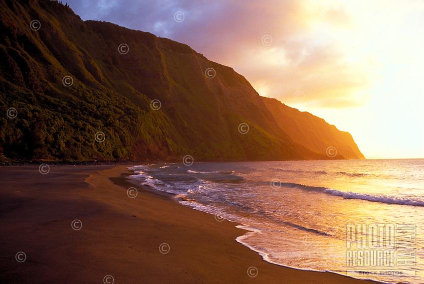 Kalaupapa peninsula beach sunset, Molokai