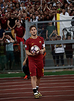 Calcio, Serie A: Roma, stadio Olimpico, 28 maggio 2017.<br /> AS Roma's Francesco Totti salutes his fans during a ceremony to celebrate his last match with AS Roma after the Italian Serie A football match between AS Roma and Genoa at Rome's Olympic stadium, May 28, 2017.<br /> Francesco Totti's final match with Roma after a 25-season career with his hometown club.<br /> UPDATE IMAGES PRESS/Isabella Bonotto