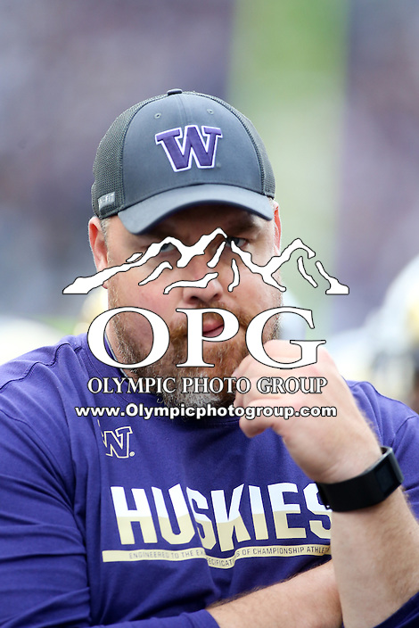 17 September 2016:   Washington's Timothy Socha against Portland State.  Washington defeated Portland State 41-3 at the University of Washington in Seattle, WA.