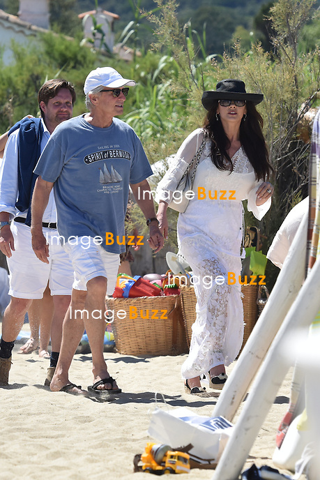 Michael Douglas &amp; Catherine Zeta-Jones enjoy some vacation in Saint-Tropez, France.<br /> France, Saint-Tropez, 30 June 2016