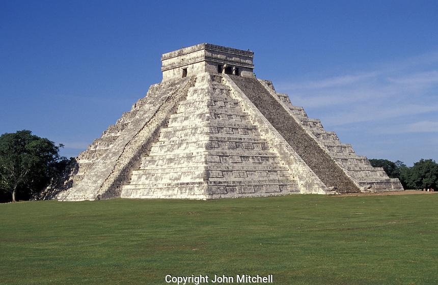 El Castillo or Pyramid of Kukulcan, Chichen Itza, Yucatan, Mexico