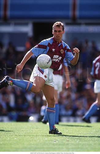 DAVID PLATT, ASTON VILLA 2 v Queens Park Rangers 2, 900922. Photo: Chris Barry/Action Plus...1990.soccer.football.league.association.english club clubs