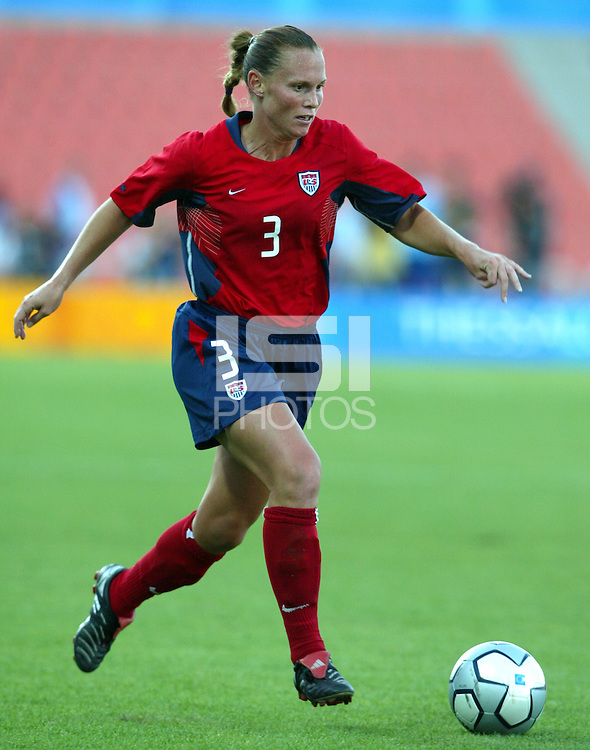 20 August 2004:  Christie Rampone in action against Japan during the quarterfinals at Kaftanzoglio Stadium in Thessaloniki, Greece.     USA defeated Japan, 2-1 .   Credit: Michael Pimentel / ISI