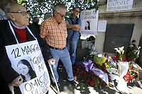 Roma, 12 Maggio 2012.Ponte Garibaldi.In memoria di Giorgiana Masi ,giovane donna uccisa il 12 Maggio 1977 dalla polizia durante un corteo ..Fiori davanti la lapide in sua Memoria.Sergio Stanzani