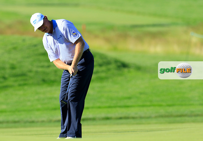 Ernie Els (RSA) putts on the 18th green during Friday's Round 2 of the 2016 U.S. Open Championship held at Oakmont Country Club, Oakmont, Pittsburgh, Pennsylvania, United States of America. 17th June 2016.<br /> Picture: Eoin Clarke | Golffile<br /> <br /> <br /> All photos usage must carry mandatory copyright credit (&copy; Golffile | Eoin Clarke)