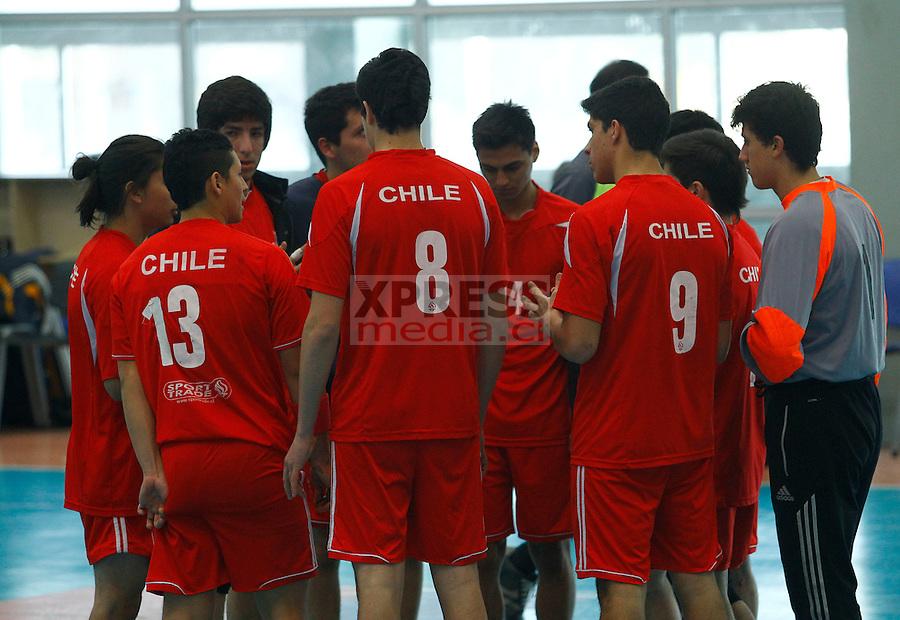 Santiago-Chile. Encuentro realizado por los equipos de Seleccion Chile sub 20 vs Kutral por el torneo nacional de Balonmano que se realiz&oacute; en el gimnasio CEO 1. <br /> <br /> Fotograf&iacute;a: Alex Reyes - Xpress Media