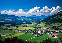 Austria, Tyrol, Westendorf: view across Brixen Valley | Oesterreich, Tirol, Westendorf: Blick ins Brixental