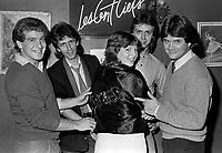 Sujet : Artiste - Le Groupe UZEB au bar Les Cent Ciels. Sur la photo Paul Brochu, Michel Cusson, Alain Caron et Stephan Montanaro<br />  vers 1980<br /> Photographe : Jacques Thibault<br /> &copy; Agence Quebec Presse