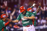 Joey Meneses de los Tomateros de Culiacan de Mexico celebra carrera, durante el juego de béisbol de la Serie del Caribe contra Criollos de Caguas de Puerto Rico en Guadalajara, México,  viernes 2 feb 2018. (Foto AP / Luis Gutierrez)