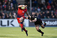 Bryce Heem of Worcester Warriors looks to get past Brad Barritt of Saracens. Aviva Premiership match, between Saracens and Worcester Warriors on December 30, 2017 at Allianz Park in London, England. Photo by: Patrick Khachfe / JMP