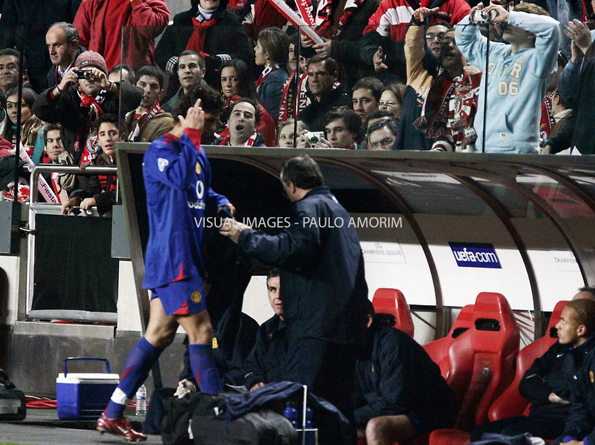 Manchester United's Cristiano Ronaldo gesture  during the Group D Champions League UEFA footbal match,  at the Luz Stadium in  7 Dezembre, 2005.
