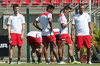 SÃO PAULO, SP, 19.08.2015 - FUTEBOL-SÃO PAULO -   Treino do São Paulo Futebol  no Centro de Treinamento da Barra Funda, na manhã desta quarta-feira, 19. (Foto: Adriana Spaca/Brazil Photo Press)