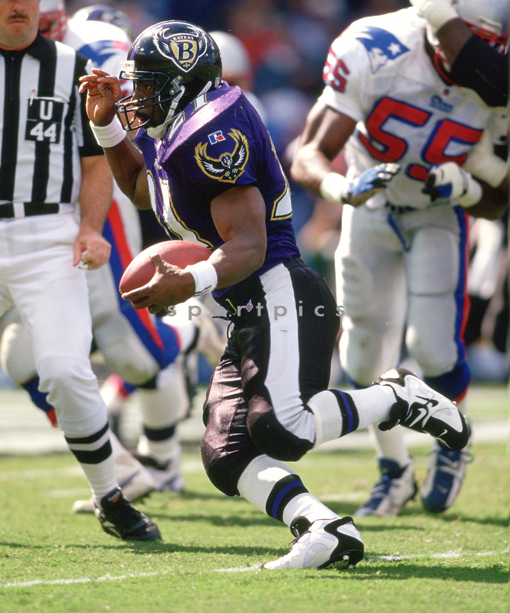 Baltimore Ravens Earnest Byner (21) during a game from his 1996 season with the Baltimore Ravens. Earnest Byner played for 14 years for 3 different teams and was a 2-time Pro Bowler.<br /> (SportPics)