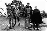 Pastori Sardi. Barbagia.<br /> Marito, moglie e mulo.