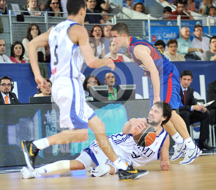 Llull es derribado por Lackovic.