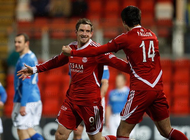 Scott Vernon celebrates his goal for Aberdeen