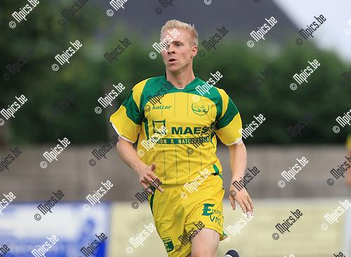2010-06-22 / Voetbal / seizoen 2010-2011 / Witgoor Dessel / Jochen Vanarwegen..Foto: mpics