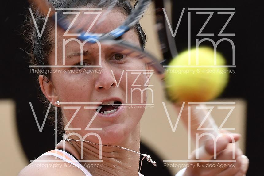BOGOTA -COLOMBIA. 14-04-2017. Lara Arruabarrena (ESP) durante juego contra Sara Sorribes Tormo (ESP) de semifinal de final del Claro Open Colsanitas WTA 2017 jugado en el Club Los Lagartos en Bogota. /  Lara Arruabarrena (ESP) during match against Sara Sorribes Tormo (ESP) for the semifinal of Claro Open Colsanitas WTA 2017 played at Club Los Lagartos in Bogota city. Photo: VizzorImage/ Gabriel Aponte / Staff