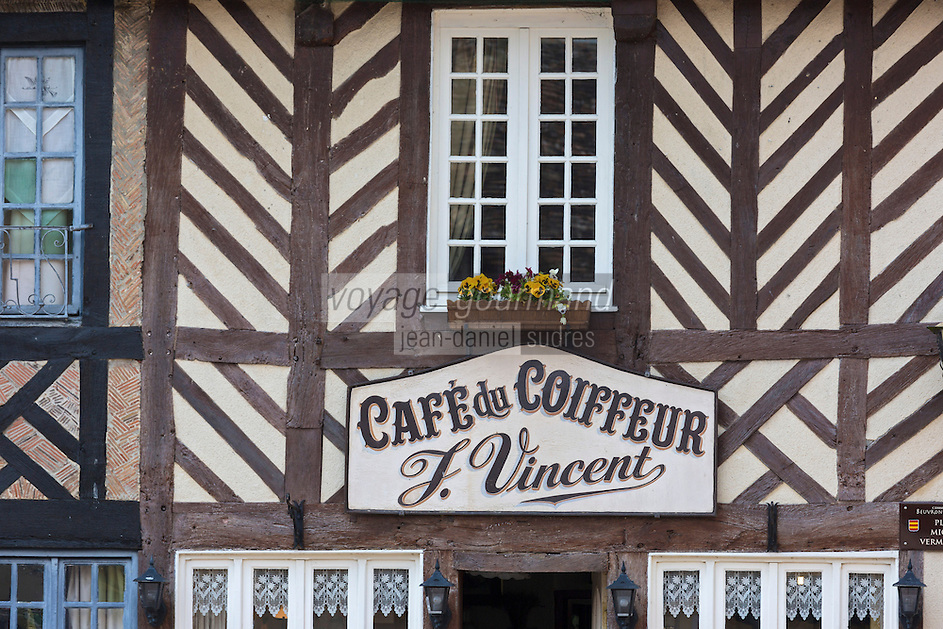France, Calvados (14), Pays d' Auge, Beuvron-en-Auge, labellisé Les Plus Beaux Villages de France, Café du Coiffeur // France, Calvados, Pays d'Auge, Beuvron en Auge, labelled Les Plus Beaux Villages de France (The Most Beautiful Villages of France), Cafe du Coiffeur