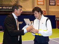 17-12-11, Tennis, Netherlands, Rotterdam, Masters, Michiel schapers rijkt de IC award uit aan Robin Haase