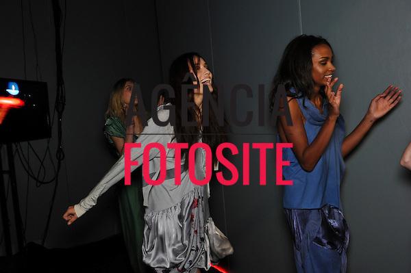 Rio de Janeiro, Brasil – 14/01/2011 - Backstage de Espaco Fashion durante o Fashion Rio  -  Inverno  2011. Foto : Gustavo Scatena / Agência Fotosite
