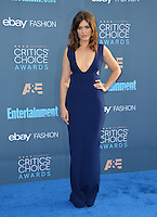 Mandy Moore at the 22nd Annual Critics' Choice Awards at Barker Hangar, Santa Monica Airport. <br /> December 11, 2016<br /> Picture: Paul Smith/Featureflash/SilverHub 0208 004 5359/ 07711 972644 Editors@silverhubmedia.com