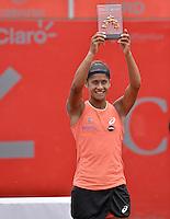 BOGOTÁ -COLOMBIA. 19-04-2015. Teliana PEREIRA (BRA)  levanta la copa como ganadora del Claro Open Colsanitas WTA 2015  tras derrotar a Yaroslava SHVEDOVA (KAZ) en partido disputado en el club El rancho de la ciudad de Bogota hoy 19 de abril de 2015./ Teliana PEREIRA (BRA) lifts the cup as winner of Claro Open Colsanitas WTA 2015  after defeating to Yaroslava SHVEDOVA (KAZ) in match played at El Rancho Clud court in Bogotá, Colombia today 19 April of 2015. Photo: VizzorImage/ Gabriel Aponte / Staff