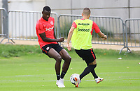 Allen Rodrigues de Souza (Eintracht Frankfurt) mit Mijat Gacinovic (Eintracht Frankfurt) - 28.08.2018: Eintracht Frankfurt Training, Commerzbank Arena, DISCLAIMER: DFL regulations prohibit any use of photographs as image sequences and/or quasi-video.