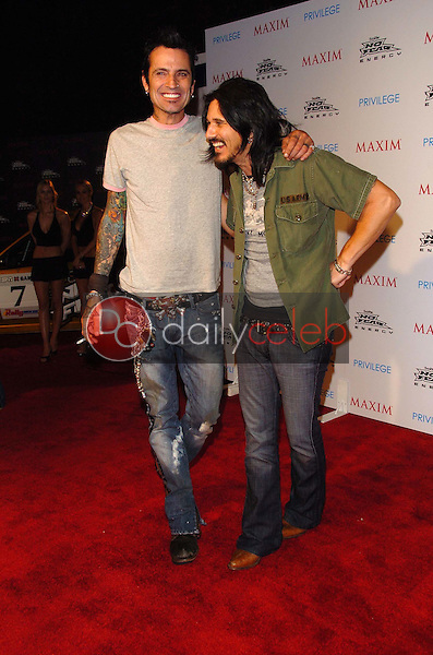 Tommy Lee and Gilby Clarke<br />