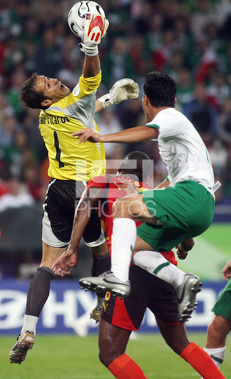 Angola goalkeeper Ricardo Joao (1) makes a save. Mexico and Angola played to a 0-0 tie in their FIFA World Cup Group D match at FIFA World Cup Stadium, Hanover, Germany, June 16, 2006.