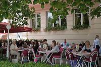Oesterreich, Salzburger Land, Salzburg: Cafe-Terrasse des Hotel Sacher Salzburg | Austria, Salzburger Land, Salzburg: Hotel Sacher Salzburg, pavement cafe