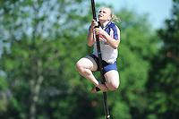 FIERLJEPPEN: JOURE: Accommodatie Koarte Ekers, Fierljepvereniging De Lege Wâlden Joure, 26-05-2012, 1e Klas wedstrijd, Dames A, Sybrich Vlas, ©foto Martin de Jong