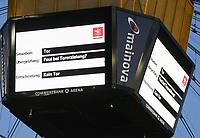 Video-Assistent greift in der Commerzbank Arena ein und begründet das aberkannte 4:1, der Videowürfel zeigt es an, - 19.01.2019: Eintracht Frankfurt vs. SC Freiburg, Commerzbank Arena, 18. Spieltag Bundesliga, DISCLAIMER: DFL regulations prohibit any use of photographs as image sequences and/or quasi-video.