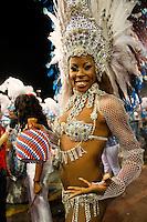 SAO PAULO, SP, 19 DE FEVEREIRO 2012 - CARNAVAL SP - PEROLA NEGRA - Tais Rainha da bateria da escola de samba Perola Negra momentos antes do desfile na segunda noite do Carnaval 2012 de São Paulo, no Sambódromo do Anhembi, na zona norte da cidade, neste domingo.(FOTO: ALE VIANNA - BRAZIL PHOTO PRESS).
