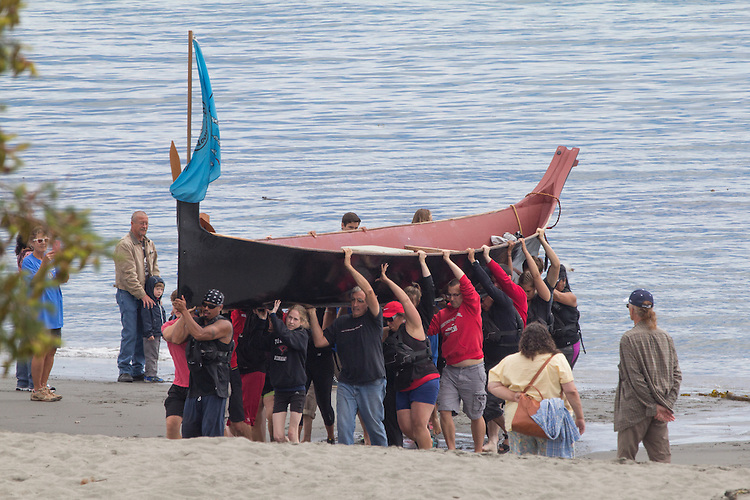 Canoe Journey, Paddle to Nisqually, 2016, Muckleshoot Tribe, Muckleshoot Canoe Family, landing, Port Townsend, Fort Worden, Olympic Peninsula, Puget Sound, Salish Sea, Washington State, USA,