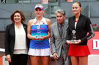 Timea Babos, Hungary (c-l) and Kristina Mladenovic, France (r) finalists in the Madrid Open Tennis 2018 WTA Doubles Final match in presence of Spanish tennis legend Manolo Santana (c-r). May 12, 2018.(ALTERPHOTOS/Acero) /NORTEPHOTOMEXICO
