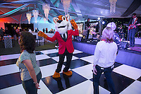 Occidental College alumni party at the Throwback Bash Under the Tiger Tent during Alumni Reunion Weekend, June 10, 2016.<br /> (Photo by Marc Campos, Occidental College Photographer)