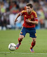 FUSSBALL  EUROPAMEISTERSCHAFT 2012   HALBFINALE Portugal - Spanien                  27.06.2012 Jordi Alba (Spanien) Einzelaktion am Ball