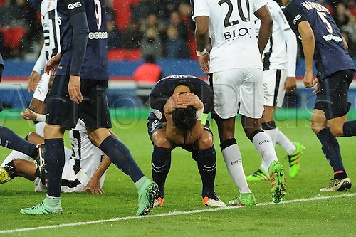 29.04.2016. Paris, France. French league 1 football. Paris St German versus Rennes.  THIAGO SILVA (psg) misses a good chance