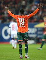 FUSSBALL   1. BUNDESLIGA  SAISON 2012/2013   7. Spieltag FC Augsburg - Werder Bremen          05.10.2012 Joseph Akpala (SV Werder Bremen)