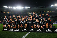 The Black Ferns celebrate winning the International Women's Rugby match between the New Zealand All Blacks and Australia Wallabies at Eden Park in Auckland, New Zealand on Saturday, 17 August 2019. Photo: Simon Watts / lintottphoto.co.nz