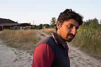 Ritratto di migrante nel campo profughi di Subotiza. Portrait of a migranti