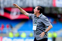 CALI - COLOMBIA - 28 -  03 - 2018: Ruben Dario Bedoya, entrenador de Envigado F. C., durante partido entre America de Cali y Envigado F. C., de la fecha 11 por la Liga Aguila I 2018 jugado en el estadio Pascual Guerrero de la ciudad de Cali. / Ruben Dario Bedoya, coach of Envigado F. C., during a match between America de Cali and Envigado F. C., of the 11th date for the Liga Aguila I 2018 at the Pascual Guerrero stadium in Cali city. Photo: VizzorImage / Nelson Rios / Cont.