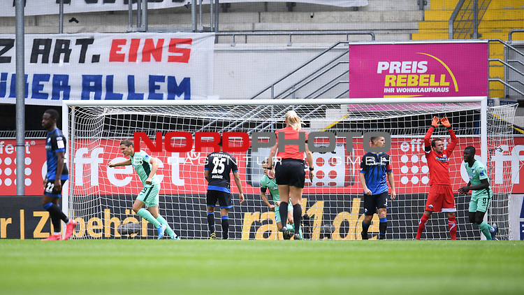 Jubel ueber das 0:1 durch Torschuetze Robert Skov (Hoffenheim, l.) <br /><br />Sport: nph000251 Fussball: 1. Bundesliga: Saison 19/20: 27. Spieltag: SC Paderborn - TSG 1899 Hoffenheim, 23.05.2020<br /><br />Foto: Edith Geuppert/GES /Pool / Rauch / nordphoto <br /><br />DFL regulations prohibit any use of photographs as image sequences and/or quasi-video.<br /><br />Editorial use only!<br /><br />National and international news-agencies out.