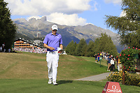 Matthew Fitzpatrick (ENG) walks to the 18th tee during Sunday's Final Round 4 of the 2018 Omega European Masters, held at the Golf Club Crans-Sur-Sierre, Crans Montana, Switzerland. 9th September 2018.<br /> Picture: Eoin Clarke | Golffile<br /> <br /> <br /> All photos usage must carry mandatory copyright credit (&copy; Golffile | Eoin Clarke)